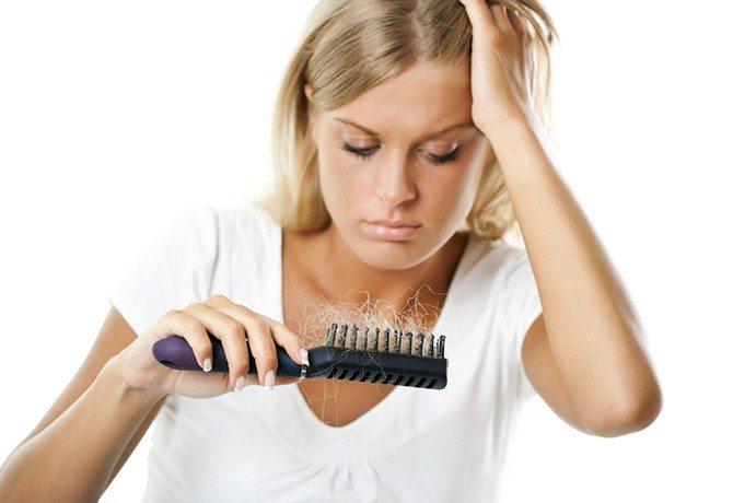 Calvície-feminina-confira-11-mitos-e-verdades-sobre-a-queda-de-cabelos