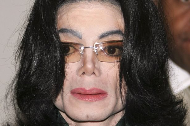 Michael jackson cleft chin