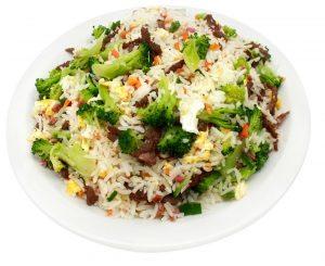 arroz-com-carne-e-brocolis