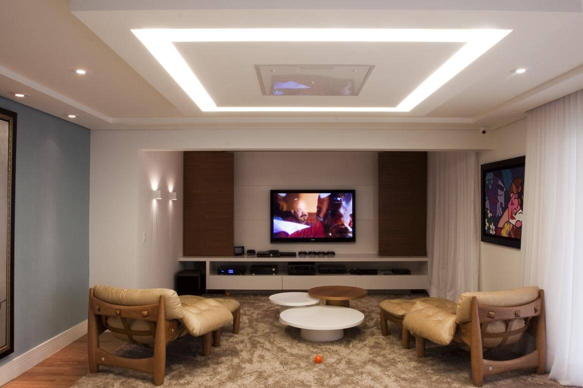 #90613B com inúmeras opções de decorar a sala com Led e aproveitem para  1166x777 píxeis em Decoração De Sala De Estar Com Gesso